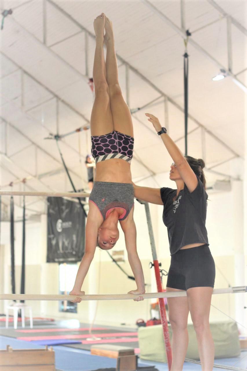 https://jureresportscenter.com.br/wp-content/uploads/2020/10/ginastica-artistica-aulas-jurere-sports-center-7.jpg