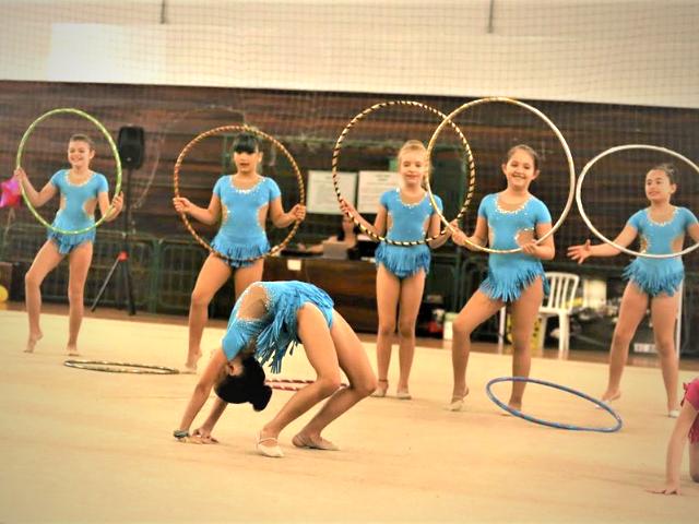 https://jureresportscenter.com.br/wp-content/uploads/2020/11/ginastica-ritmica-infantil-jurere-sports-center-3.png