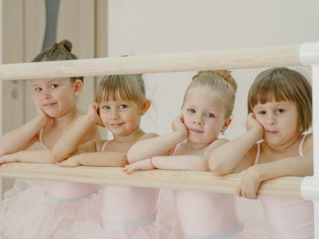 https://jureresportscenter.com.br/wp-content/uploads/2021/08/aula-de-ballet-e-dança-moderna-jurere-sports-center-1.jpg
